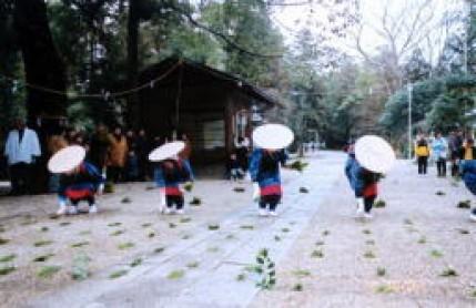 大和神社「御田植祭」